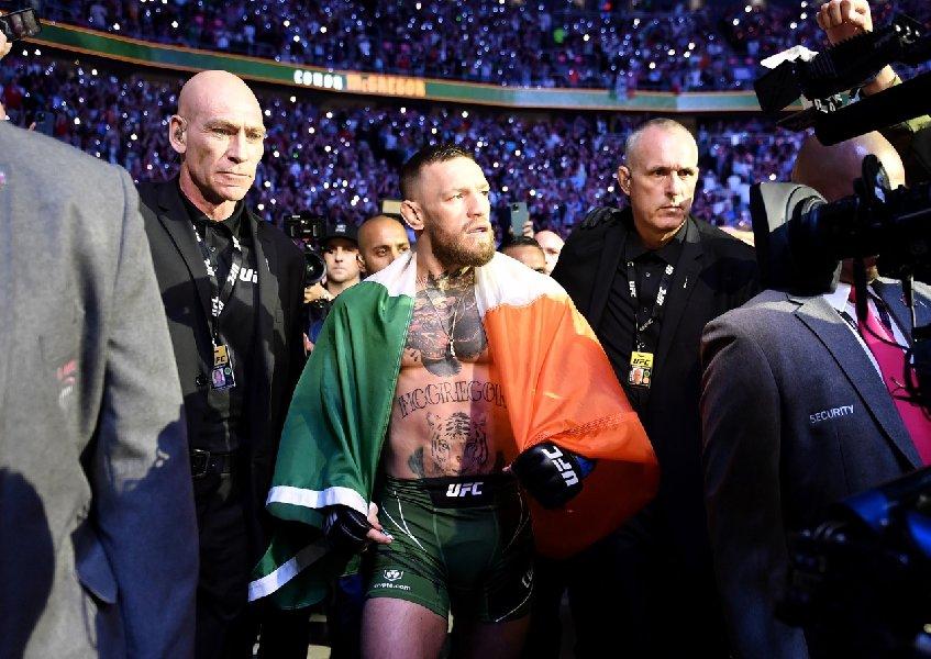 Блогер Джейк Пол заявил, что Макгрегору надо протрезветь, а другого бойца UFC назвал неудачником - фото