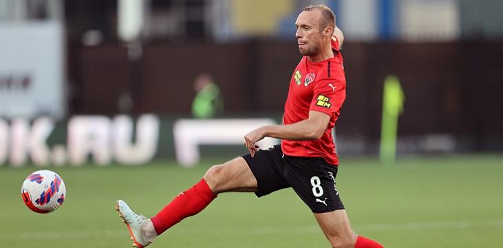 Медицинский штаб сборной России примет решение об участии Глушакова в матчах отбора на ЧМ-2022 - фото