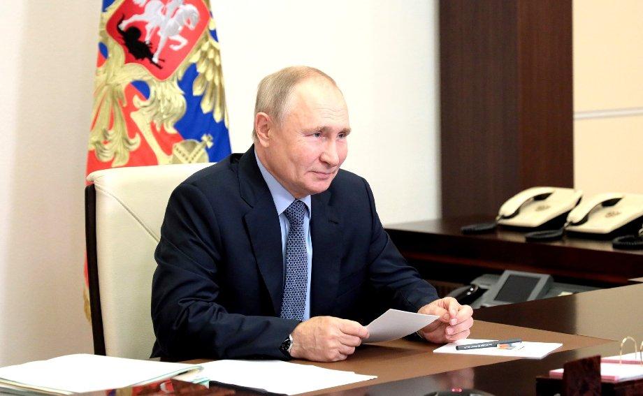 Политолог рассказал, почему Путин не ходит на сборную России по футболу - фото