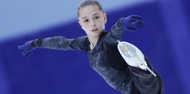 Валиева выиграла короткую программу на Кубке России, побив мировой рекорд Косторной - фото