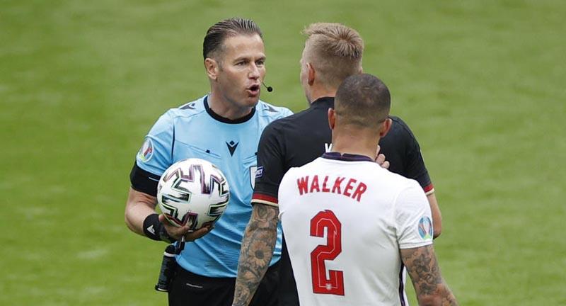 Уткин заявил, что арбитр Макелли сыграл ключевую роль в победе сборной Англии над Германией на Евро - фото