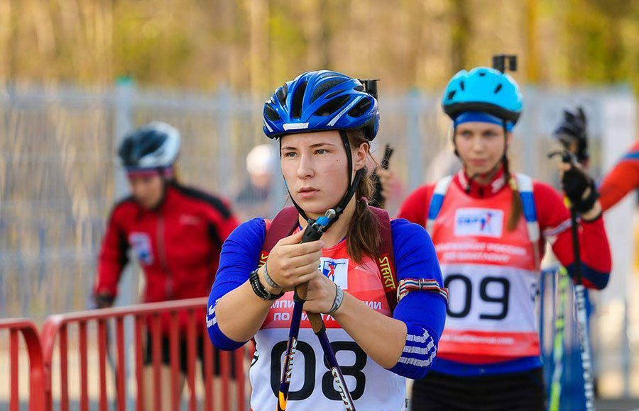 Майгуров не хочет, чтобы биатлонистка Ушкина меняла Россию на Румынию - фото