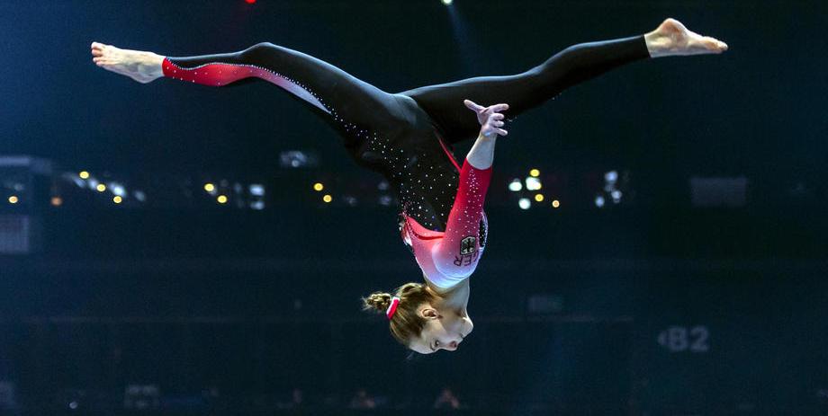 Гимнастка сборной Германии Восс выступила в закрытом костюме в знак борьбы с сексуализацией женщин - фото