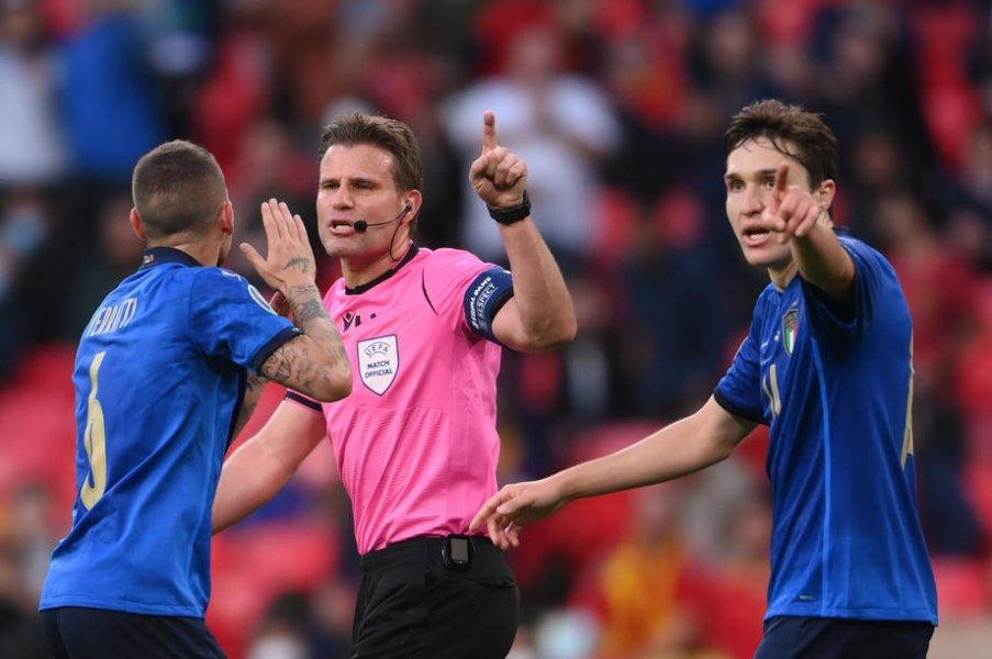 Арбитр ЕВРО-2020 Феликс Брих завершил карьеру - фото