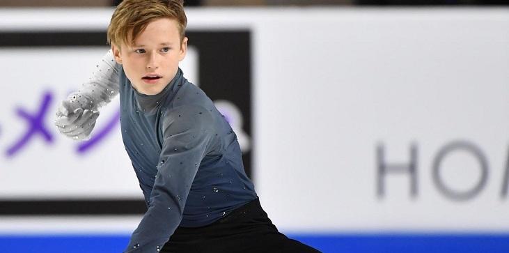 Илья Малинин побеждает на первом в сезоне турнире. Радоваться рано: фигурист представляет США, а не Россию - фото