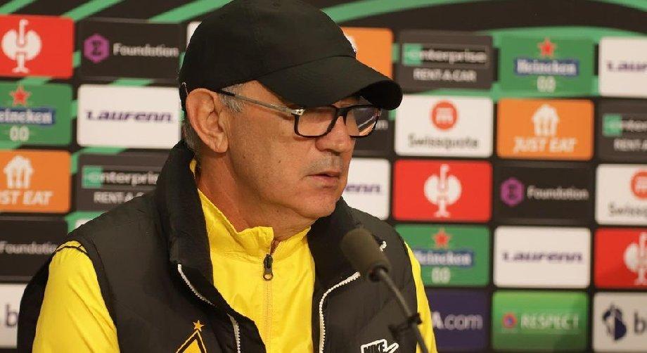 Бердыева освистывают в Казахстане. Шаронов объяснил, почему это проблема «Кайрата», а не тренера - фото