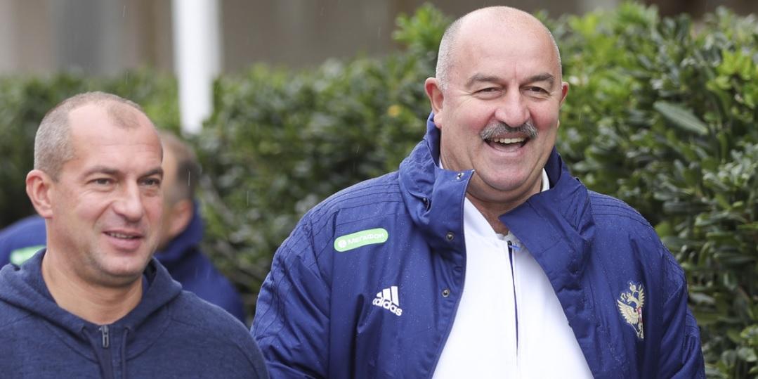 Черчесов отказался от психолога в сборной России  - фото