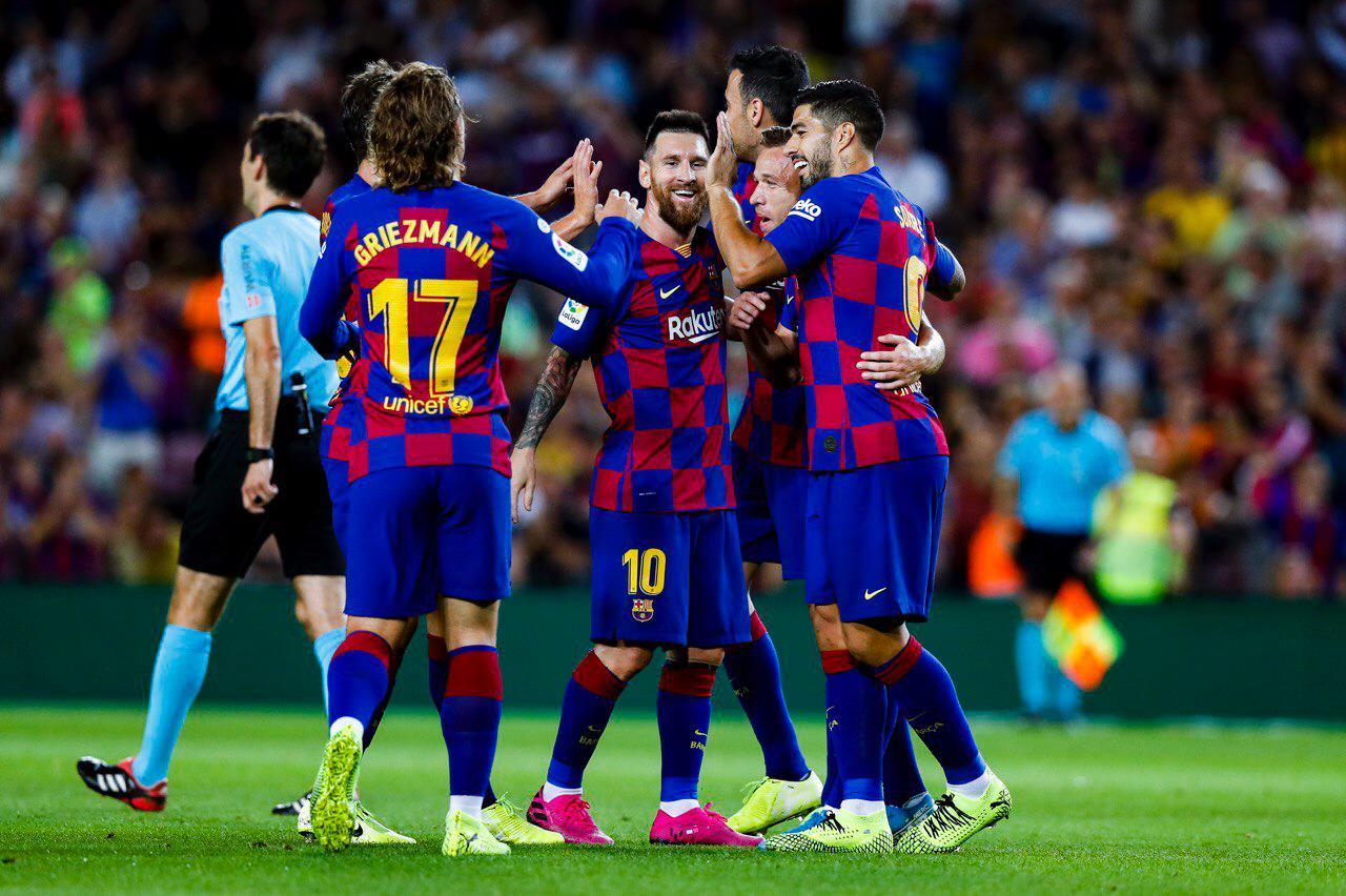 «Барселона» объявила о сокращении рабочего дня и зарплат для сотрудников клуба - фото