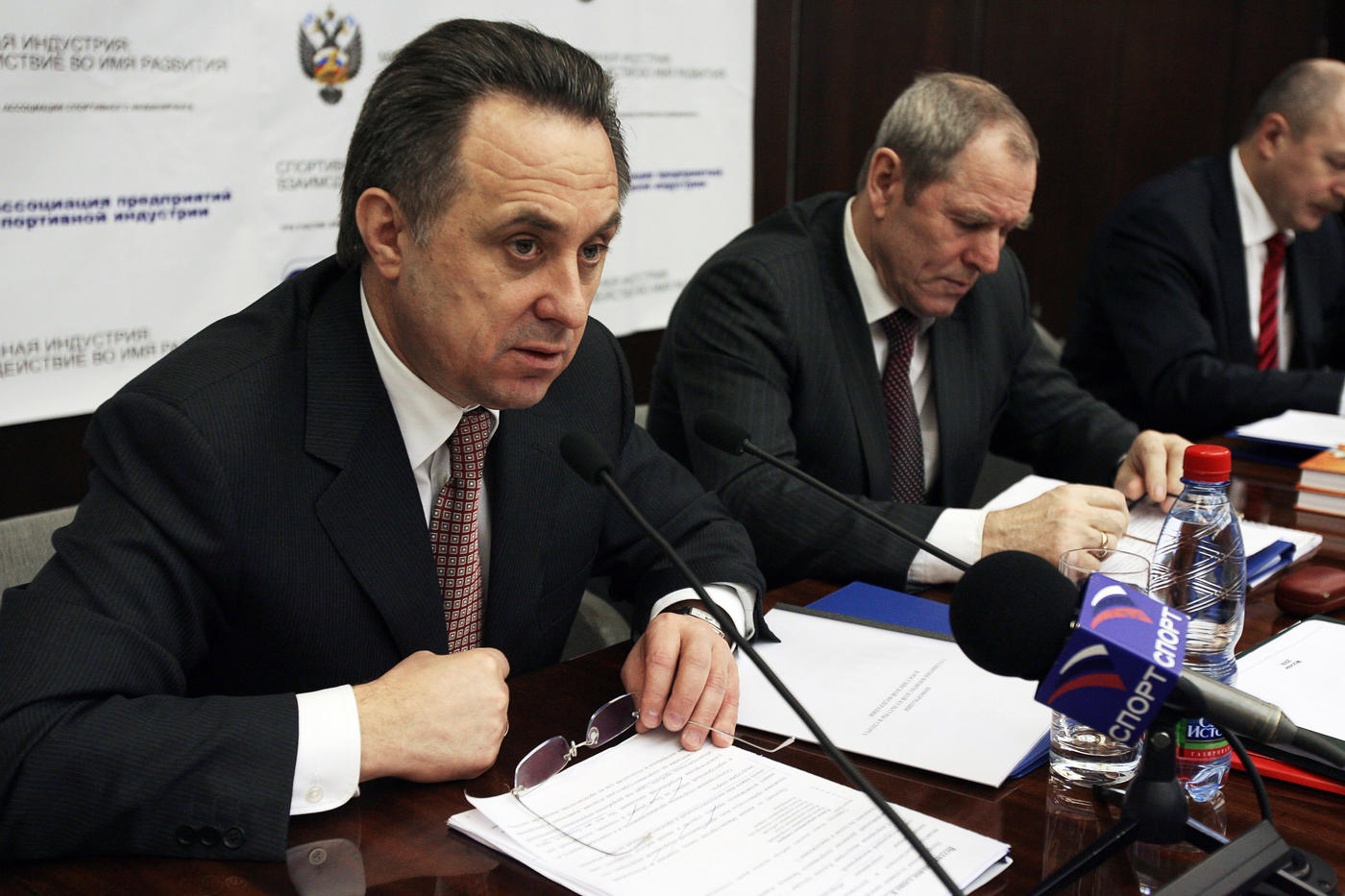 Виталий Мутко: Хочу, чтобы в управление футболом приходили люди, которые прошли футбольную школу - фото