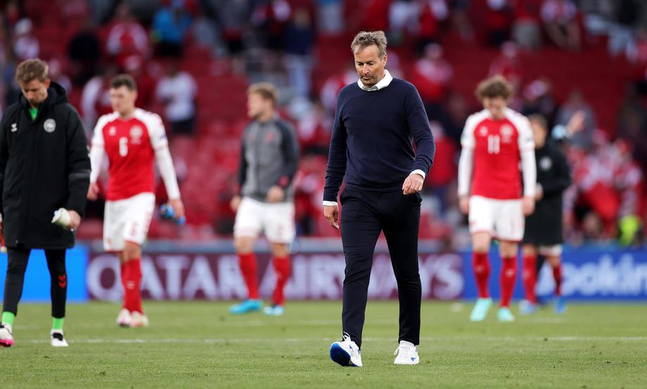 Тренер сборной Дании Каспер Юльманн: «Мне кажется нам не стоило продолжать матч» - фото