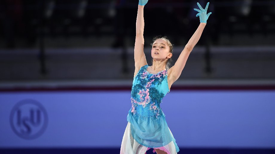 Валиева побила мировые рекорды Трусовой и Косторной - фото