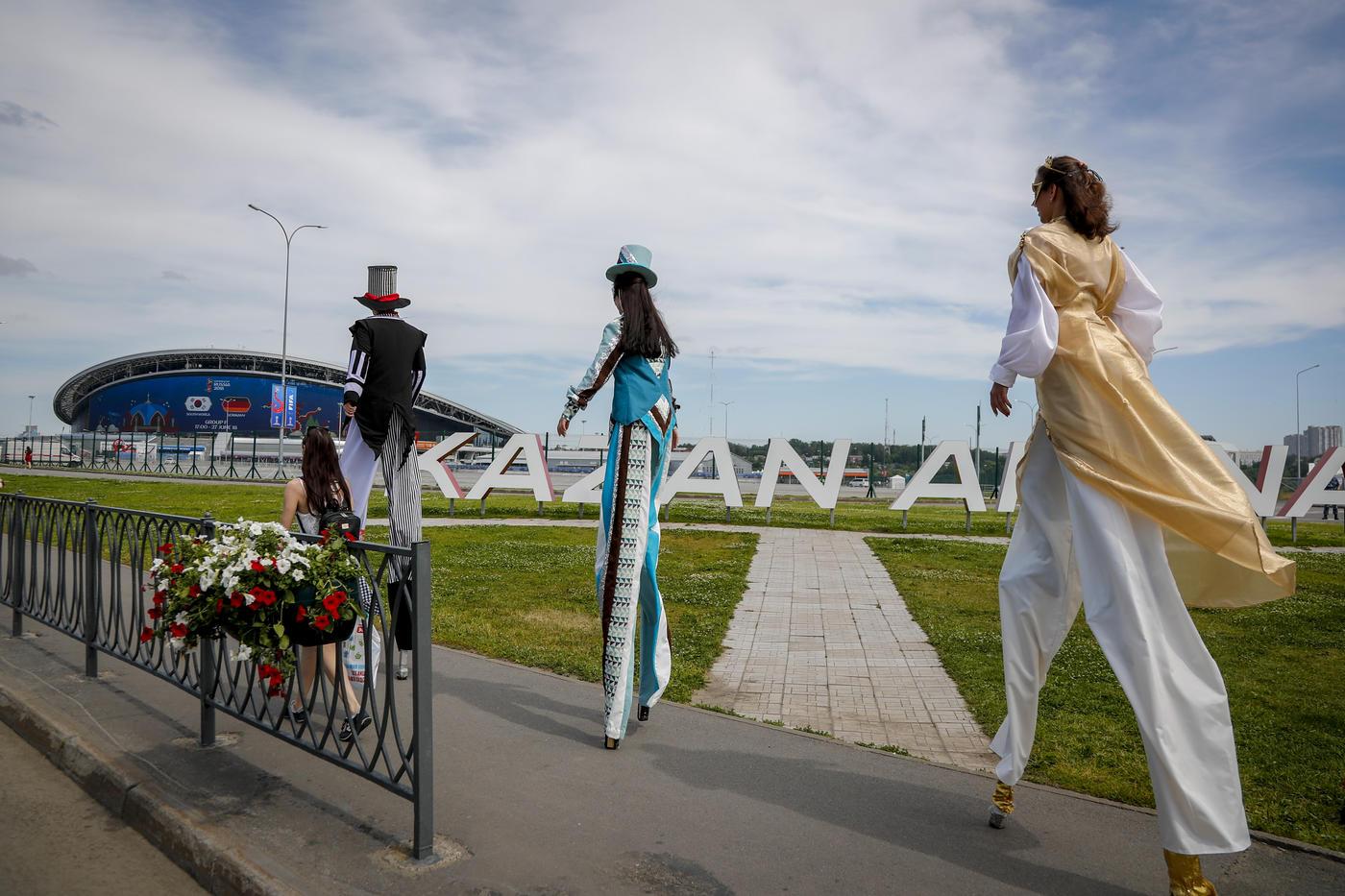 Почему стадион в Ростове заполняется, а в Казани и Саранске – нет? Так сложилось исторически - фото