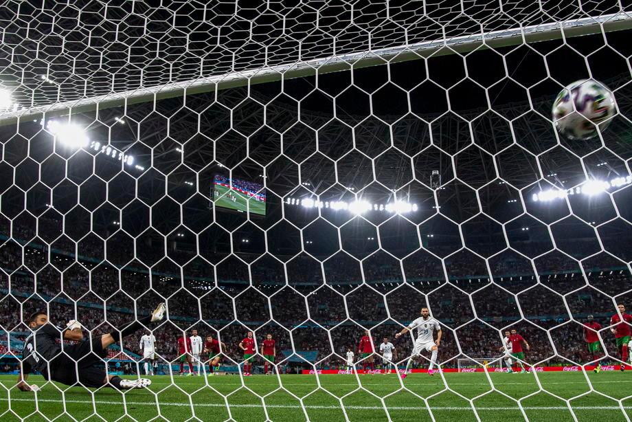 УЕФА отменил правило выездного гола. Эту идею продвигал легендарный тренер - фото
