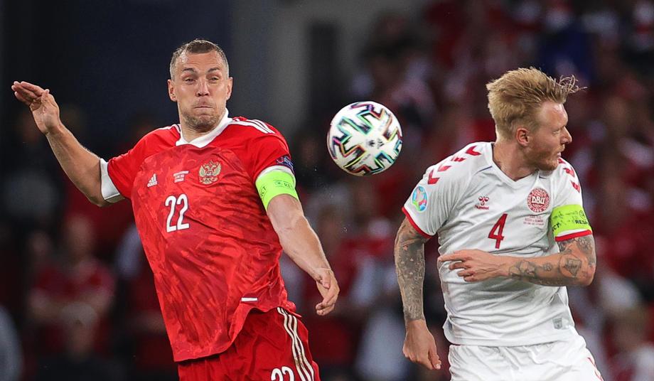 Мостовой считает, что судья повлиял на ход матча между Россией и Данией на Евро - фото
