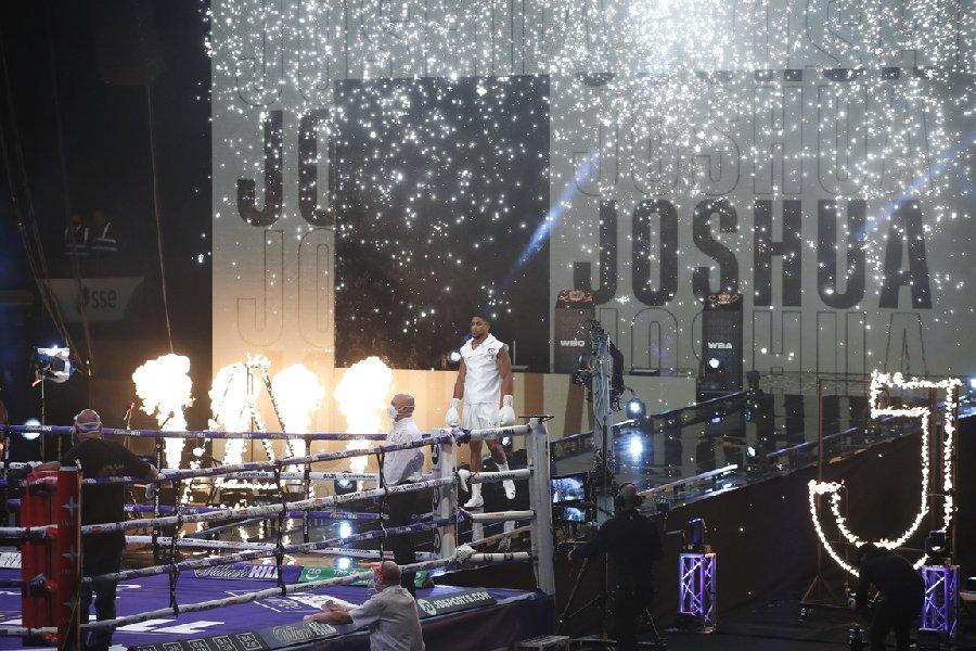 Усик – Джошуа: Дмитрий Бивол сделал прогноз на бой - фото