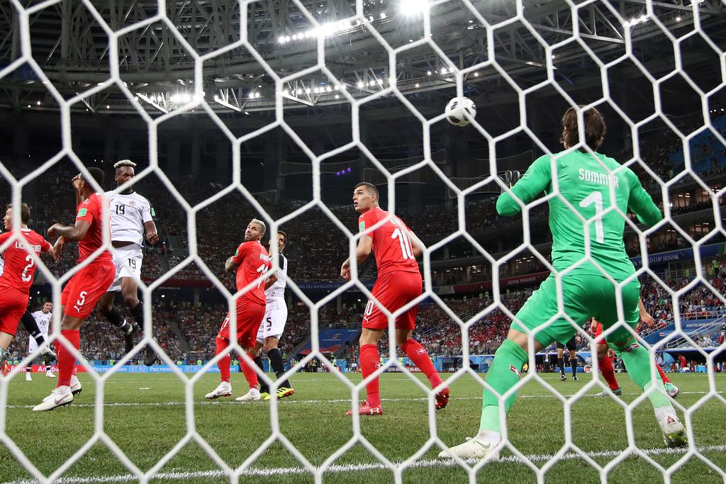 Следующий матч в Петербурге: Швеция — Швейцария - фото
