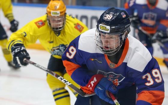 Якубов объяснил, почему Мичков вернулся в МХЛ  - фото