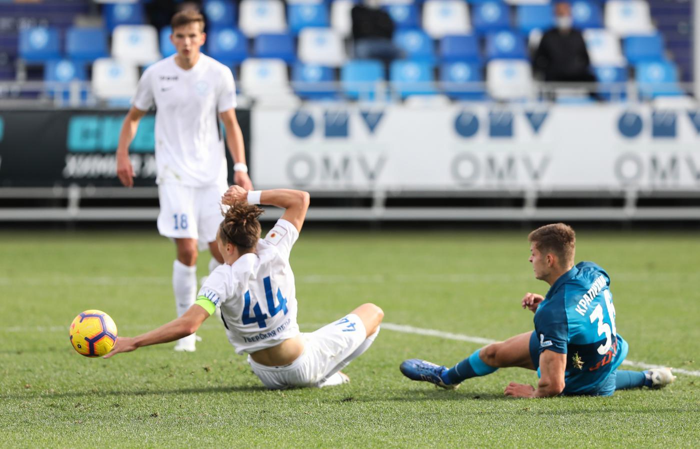Радимова удалили, но «Зенит-2» сумел добиться второй победы в пяти последних матчах - фото