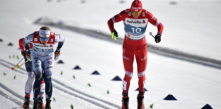 Тренер сборной Норвегии заявил, что Большунову не нужно было уходить от общения с прессой - фото