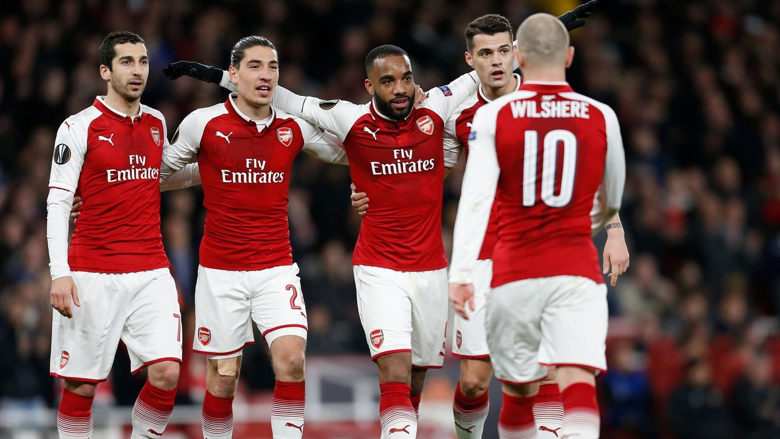 Шесть английских клубов - в четвертьфиналах еврокубков во второй раз в истории - фото