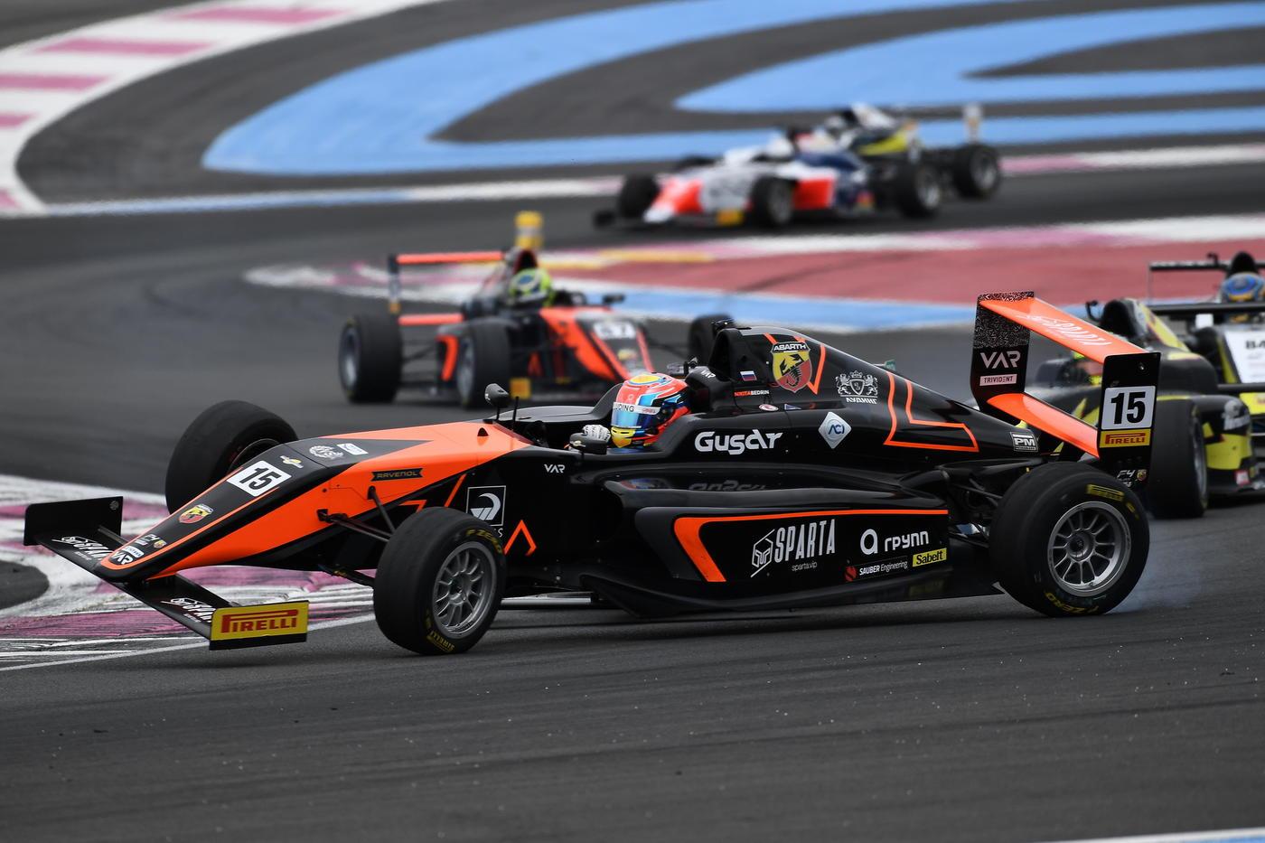 Смаль выиграл гонку итальянской Формулы-4, Ломко на подиуме - фото