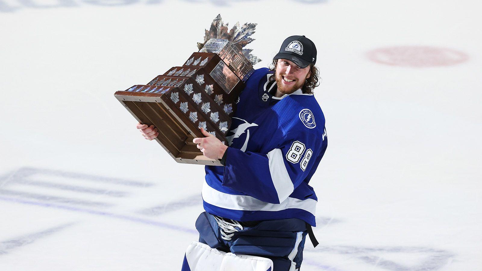 Андрей Василевский вошел в историю НХЛ. Он так же крут, как Малкин или Овечкин - фото