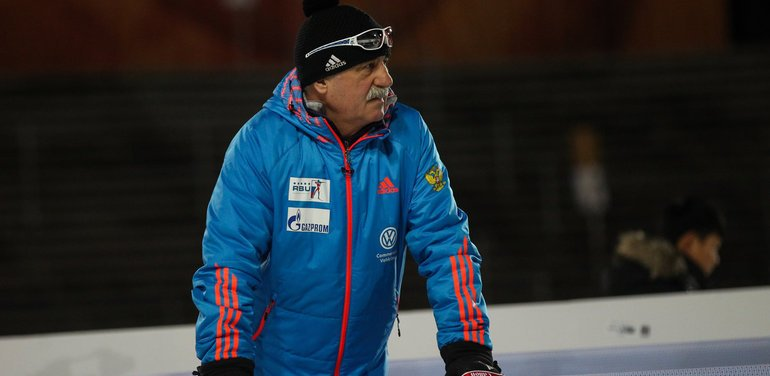 Личного тренера Логинова отстранили от соревнований до конца января - фото