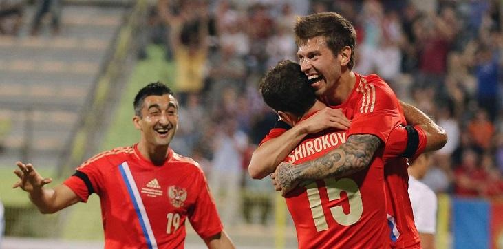 Евгений Харлачев: На Евро-2016 на правом фланге сборной России вижу Смолова - фото