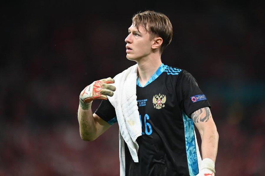 Кафанов рассказал, почему Сафонов вернулся в сборную России - фото