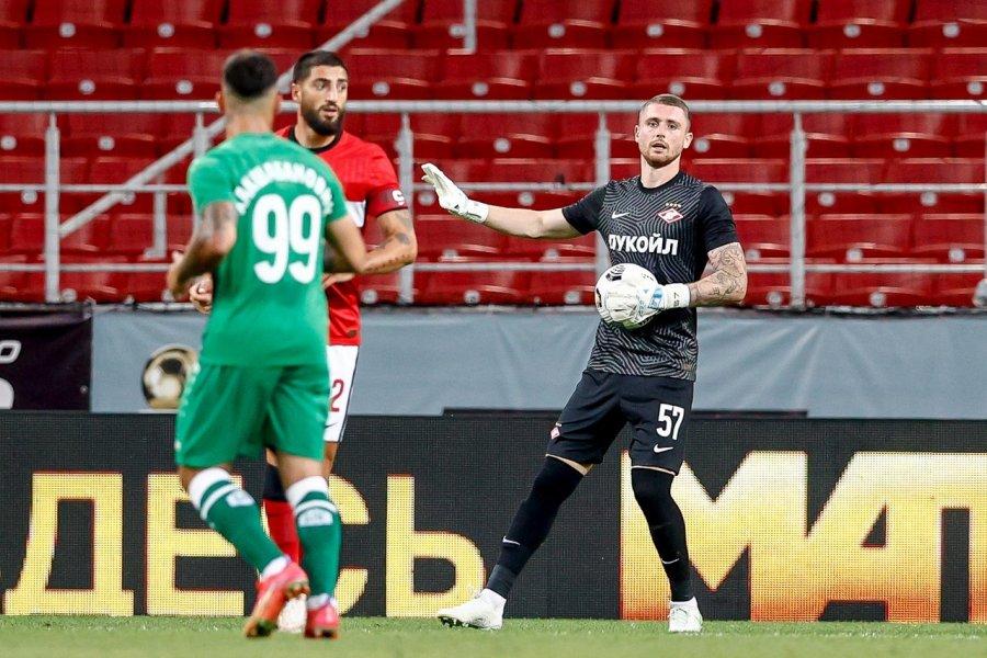 Вратарь «Спартака» Селихов выбыл на три месяца из-за перелома пальца - фото
