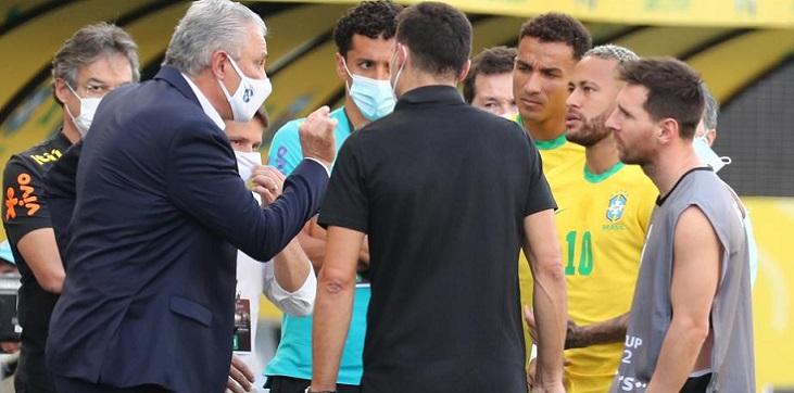 Глава агентства по санитарному надзору объяснил появление своих сотрудников на матче между Бразилией и Аргентиной - фото