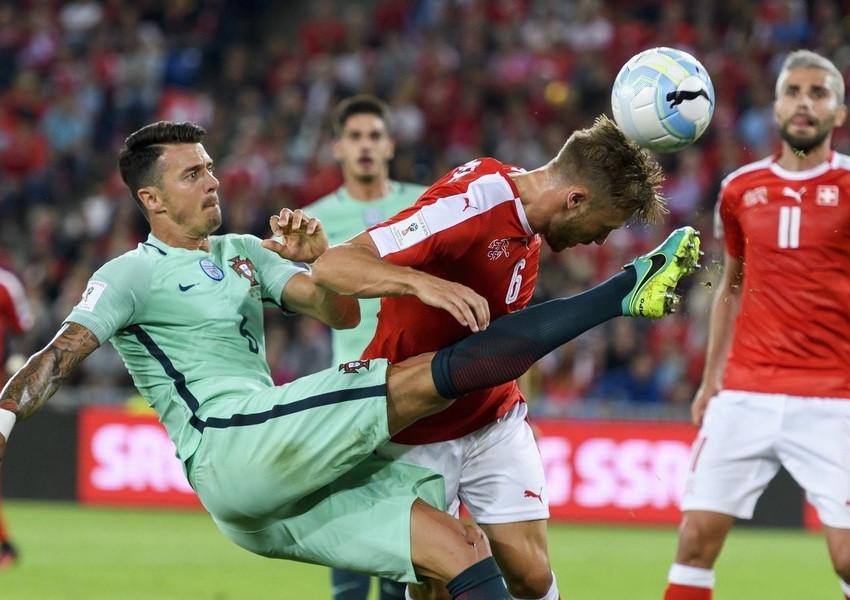 Швейцария стала участником финальной стадии ЧМ-2018 - фото
