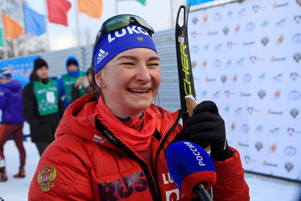 Тренеры раненой Непряевой помогли ей завоевать серебро на чемпионате мира - фото