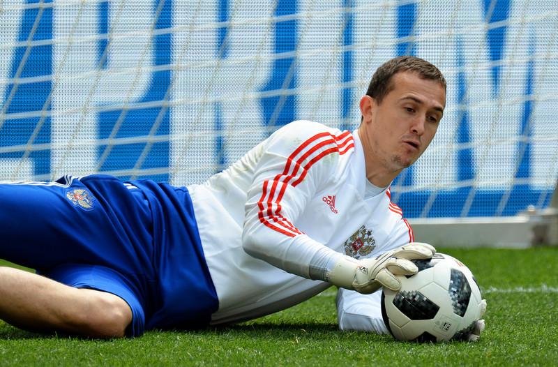«Лунев готов ждать шанса в «Байере», сколько придется»: агент – о вратаре сборной России - фото