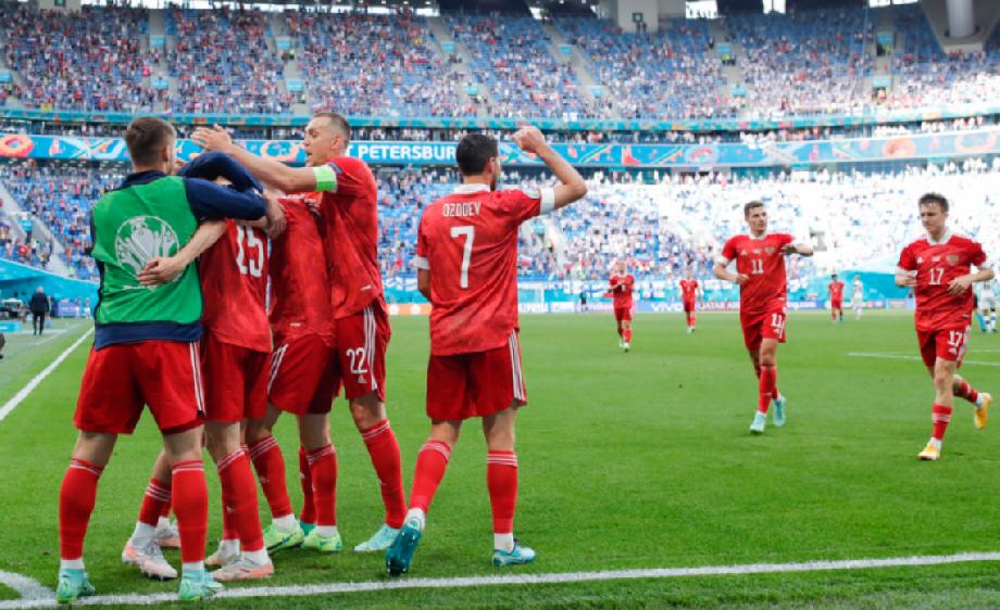 10 игроков из заявки на Евро-2020, которые не сыграли за сборную России при Карпине - фото