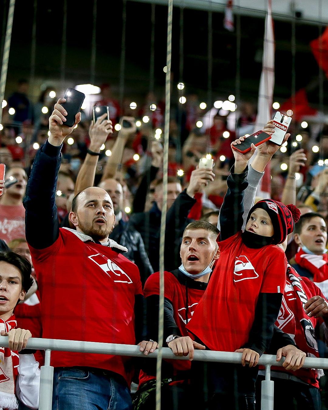 Наказание «Спартака» – несправедливость. Либо закрывайте все стадионы, либо не трогайте никого - фото