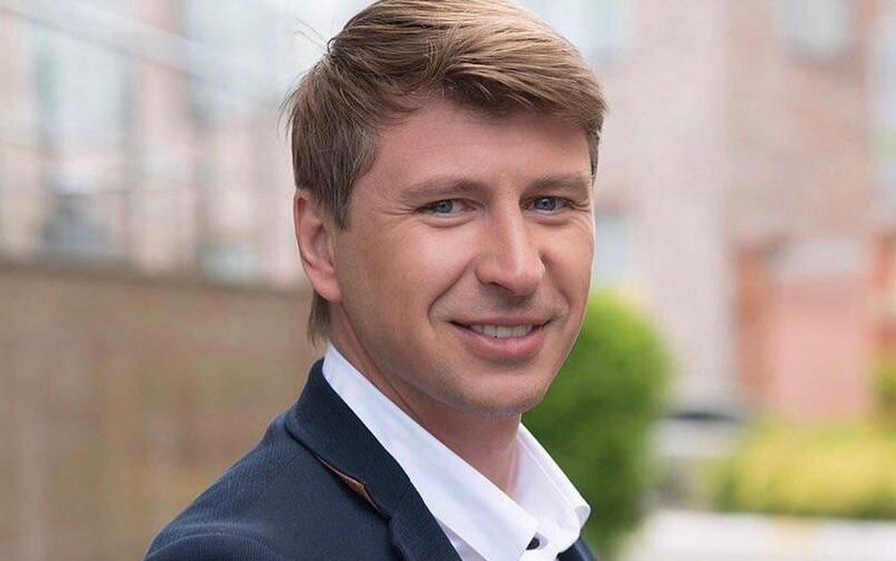 Ягудин жестко раскритиковал «Алые паруса» за возможное нарушение антиковидных правил - фото
