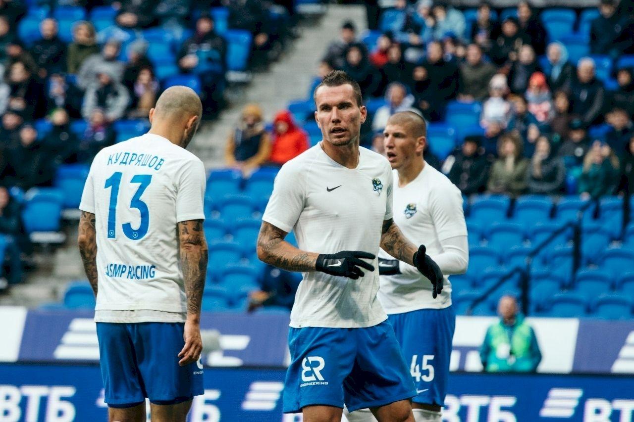 РПЛ открыла голосование за звание лучшего футболиста октября - фото