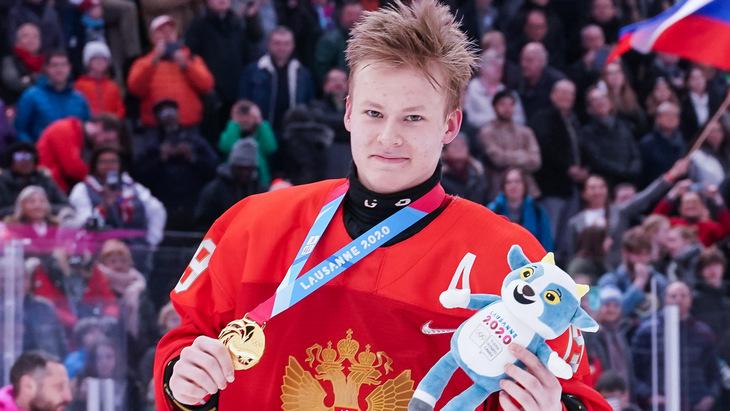 «Мне не нравятся русские защитники, шведские намного лучше»: Матвей Мичков назвал пятерку, в которой бы хотел сыграть - фото