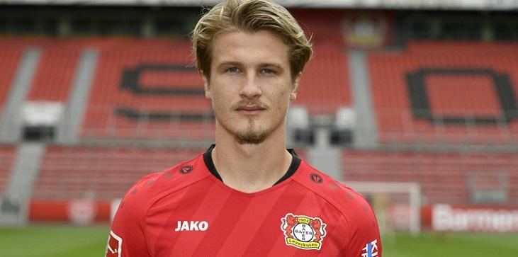 Агенты Едвая заявили, что игрок почти подписал контракт с «Локомотивом»  - фото