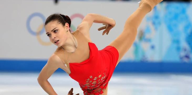 Директор Сотниковой ничего не знает о ее обращении к гадалке - фото
