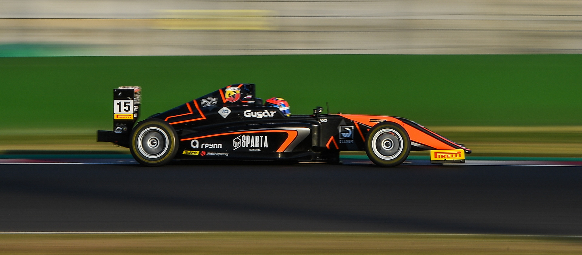 Итальянская Ф-4: Бедрин набрал первые очки в сезоне, Смаля лишили поула - фото