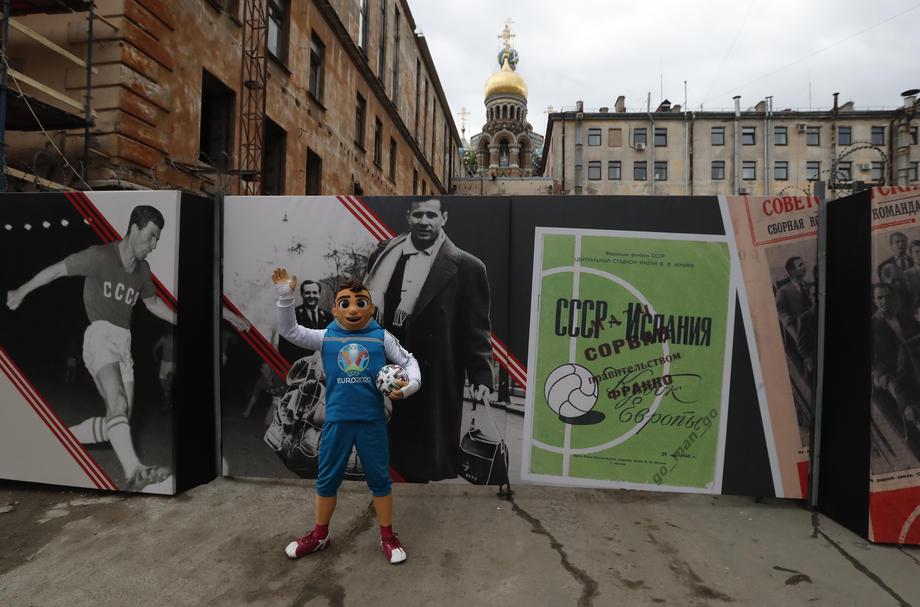 Санкт-Петербургу отдали дополнительные матчи Евро-2020 - фото