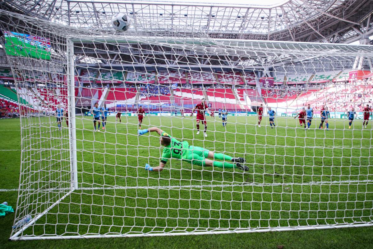 РПЛ подала запрос в Роспотребнадзору о том, как проводить матчи - фото