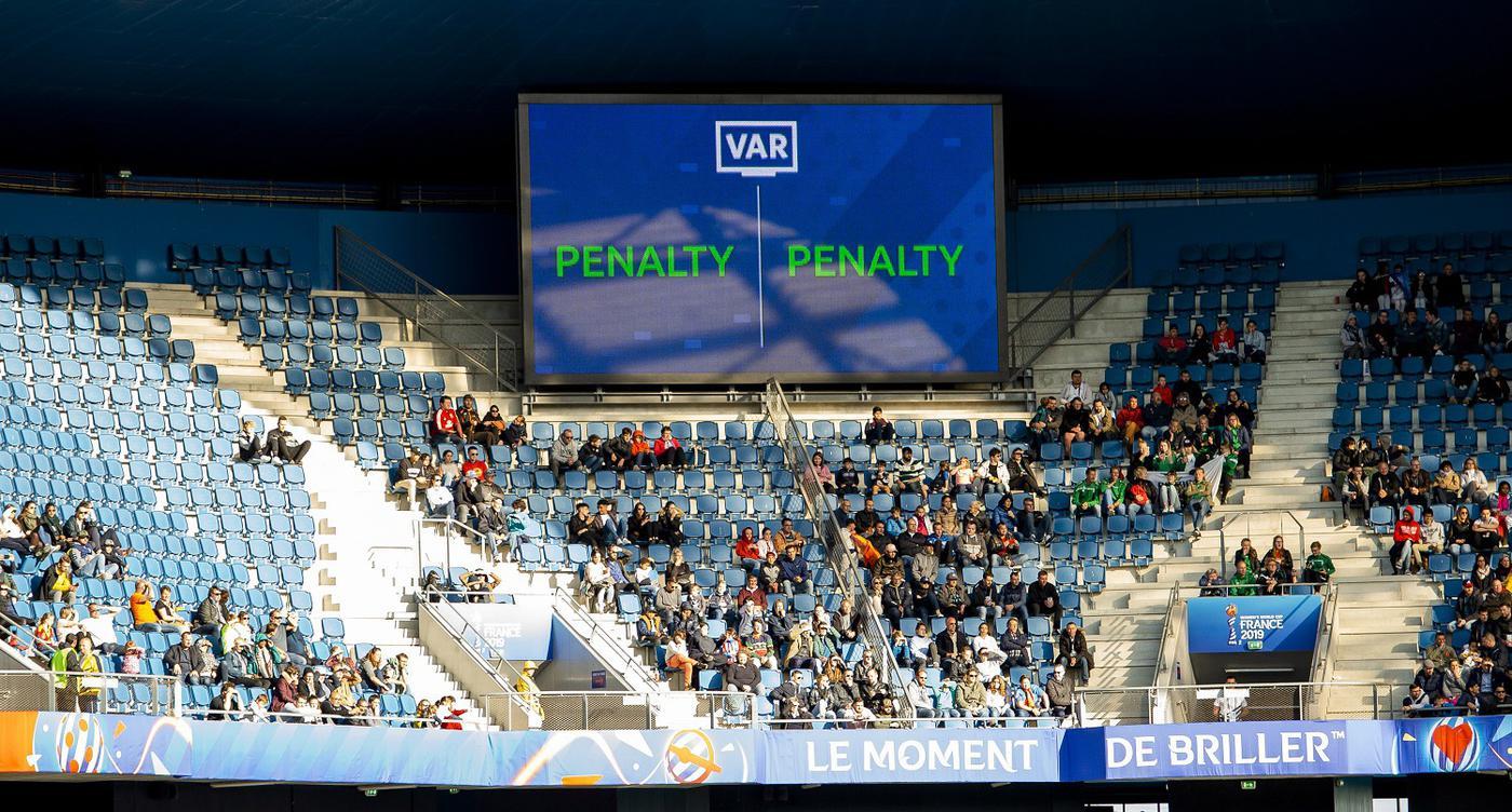 Не только в России впервые в этом сезоне появится система VAR. Англия тоже негодует от неизвестности - фото