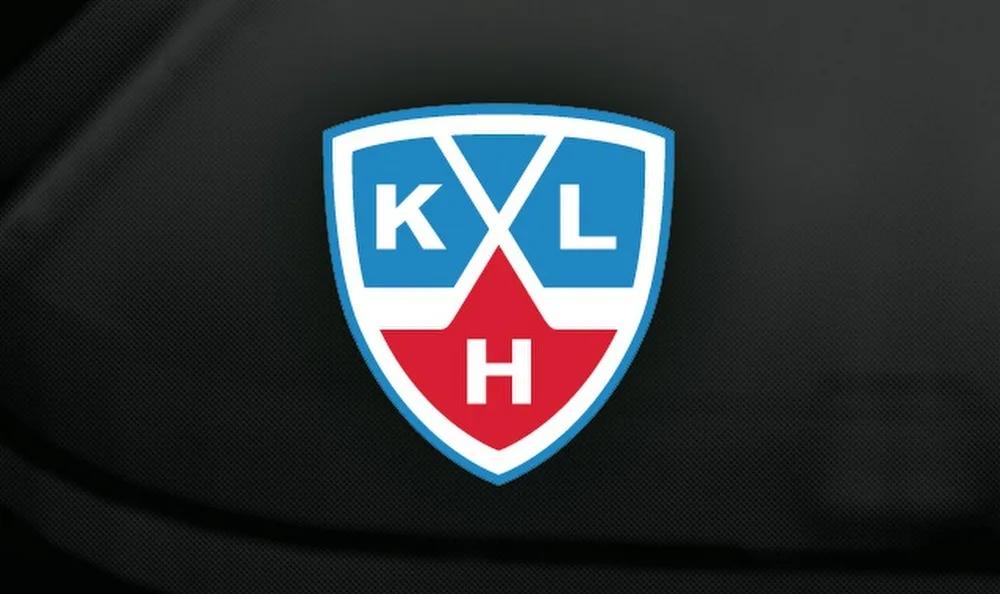 Нападающий ЦСКА считает, что на команды КХЛ повлиял потолок зарплат - фото