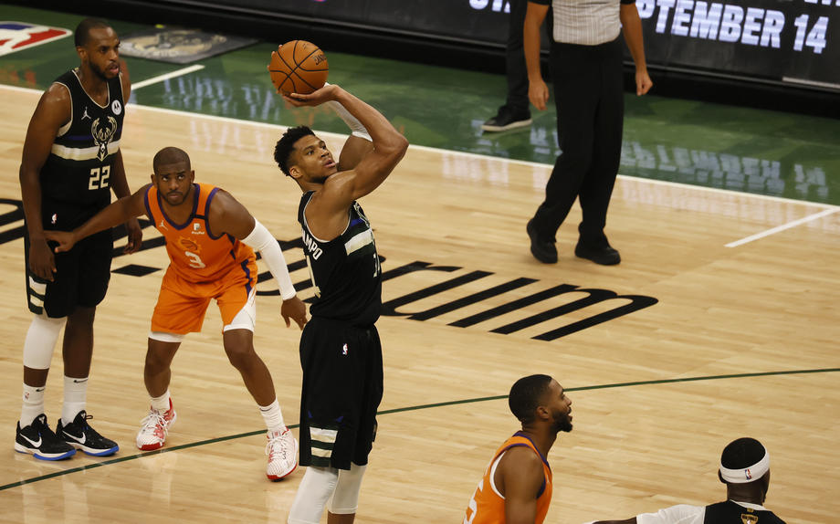 «Милуоки Бакс» - новый чемпион НБА - фото