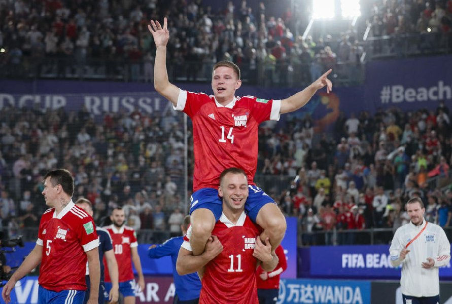 Чемпионы мира по пляжному футболу посетят Кубок Кондрашина и Белова - фото