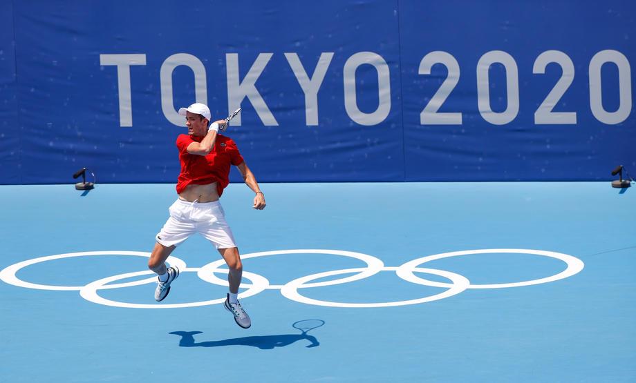 Медведев не вышел в полуфинал Олимпиады-2020 - фото