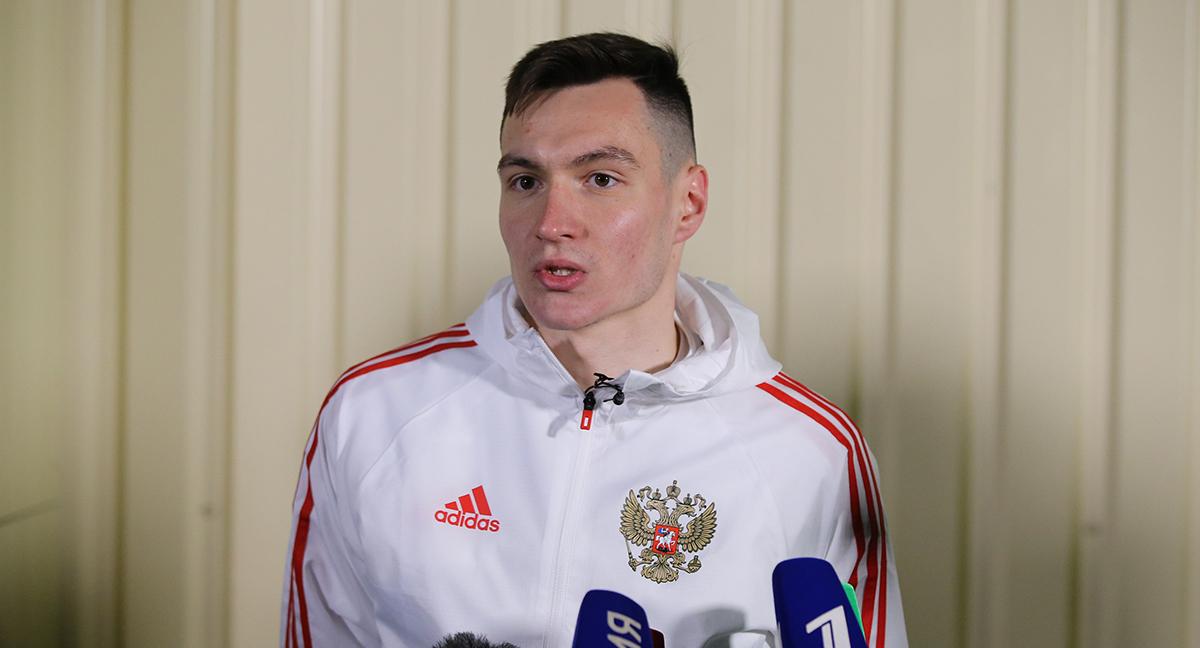 Караваев узнал о вызове в сборную в кровати. Он этого не ожидал - фото